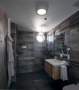 A bathroom at Boxotel