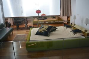 A bed or beds in a room at Casa Bermejo