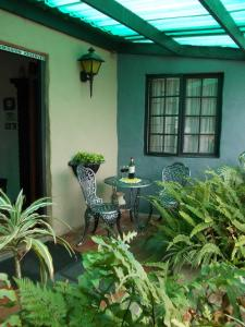 Villa Ocean Crest Guesthouse and B&B