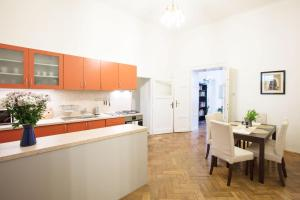 Apartment Asbury