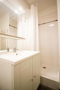 Een badkamer bij Zola Park