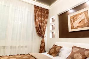 Queens Gold Apartment