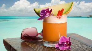 Drinks at Beach Temporada