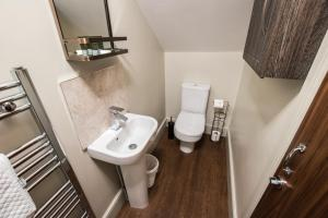 A bathroom at Clearly Apartments Bootham York