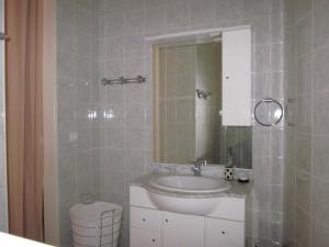 A bathroom at Appartement Pastorelli