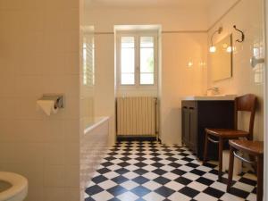 Salle de bains dans l'établissement Lyonesse