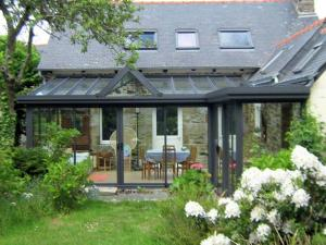Pretty Holiday Home in Pordic Brittany, 4 km from Beach