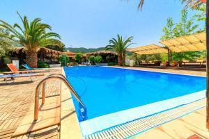 The swimming pool at or near Kissos Apartments