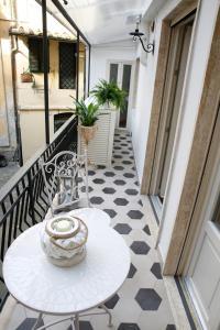 A balcony or terrace at Luxury Apartment Residence la Fontana