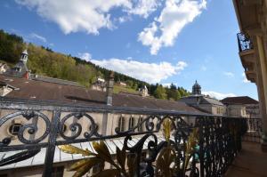 Balcon ou terrasse dans l'établissement L'Empereur, sa Femme et le petit Prince