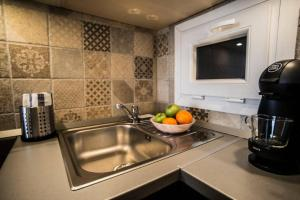 A kitchen or kitchenette at Buda Classic 30 Apartment - Elegance of Buda side
