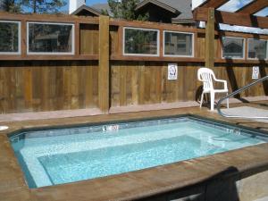 The swimming pool at or near Los Pinos by Ski Village Resorts