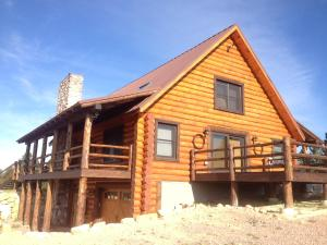 Vacation Home Rustic Cabin Rental, Devils Tower, WY - Booking com