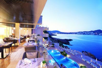 Hotel iberostar jardin del sol santa ponsa spain for Hotel jardin del sol mallorca