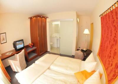 Flair Hotel Zum Storchen Bad Windsheim Germany Booking Com