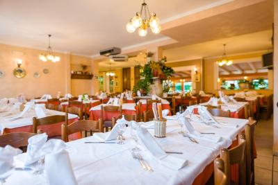 Hotel la tavola rotonda santa maria degli angeli prezzi aggiornati per il 2019 - La tavola rotonda assisi ...