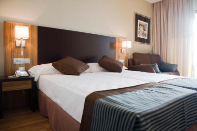 Hotel y Apartamentos Conilsol imagen