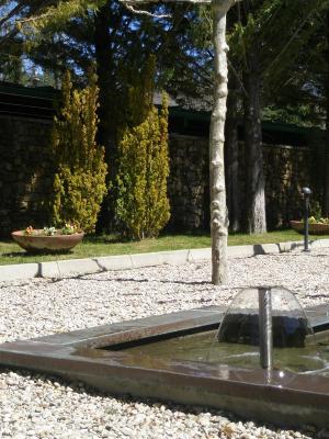 Hotel parador puebla sanabria puebla de sanabria con for Paradores con piscina climatizada