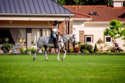 Warsaw Polo Club Jaroszowa Wola Aktualne Ceny Na Rok 2019