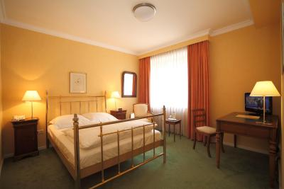 hotel alster hof deutschland hamburg. Black Bedroom Furniture Sets. Home Design Ideas