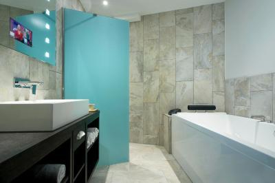 Mainport design hotel niederlande rotterdam for Design hotel niederlande