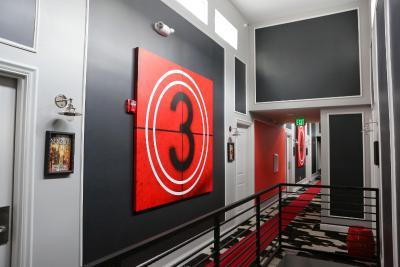hollywood le bon hotel reviews