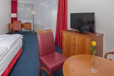 Hotel auf der r tsch isenb gel germany - Salon medica dusseldorf ...