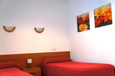 Hostal Oasis Menorca imagen