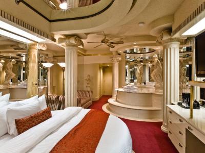 Fantasyland Hotel Restaurant Edmonton