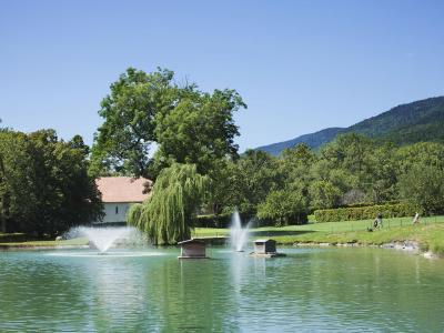 Hotel chateau de bonmont cheserex switzerland for Cheserex piscine