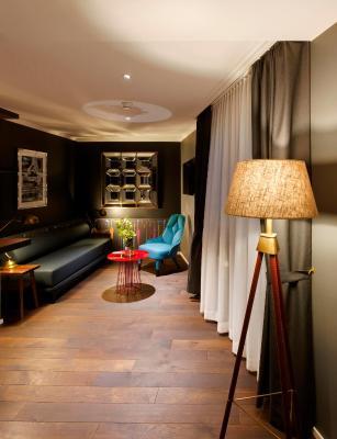 hotel city z rich including photos. Black Bedroom Furniture Sets. Home Design Ideas