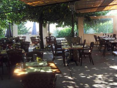 Auberge de la table ronde francja vinon sur verdon - La table ronde vinon sur verdon ...