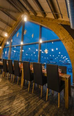 Snowhotel kirkenes kirkenes aktualizovan ceny na rok 2018 for Kirkenes snow hotel gamme cabins