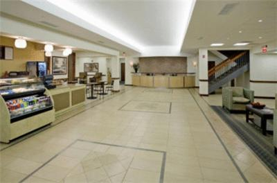 Hotel Ramada Busch Gardens Area Williamsburg VA Bookingcom