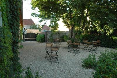 Auberge de la source frankrijk saint ouen sur morin for Auberge le jardin de la source