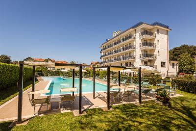 Hotel king marina di pietrasanta prezzi aggiornati per - Bagno king marina di pietrasanta ...