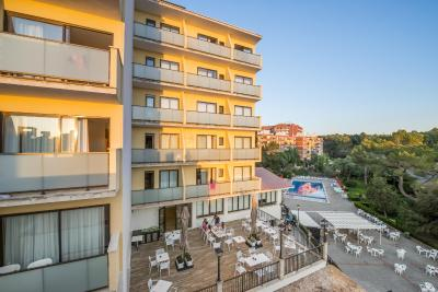 Hotel Amazonas El Arenal Spain Booking Com