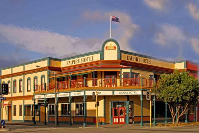The Cobb Hotel - Image1