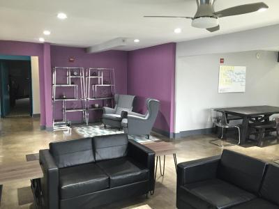 the highlander hotel austin including photos. Black Bedroom Furniture Sets. Home Design Ideas