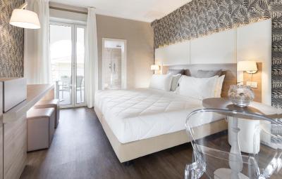 Hotel corallo riccione prezzi aggiornati per il 2019 for 4 stelle arredamenti