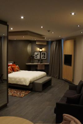 H tel les tanneurs namur avec des avis for Hotel design namur