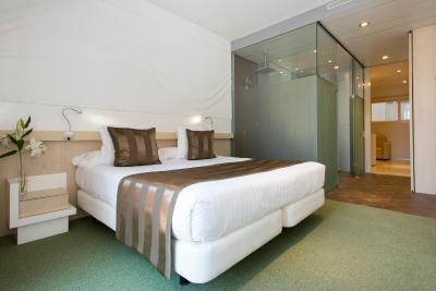 Ako Suites Hotel imagen