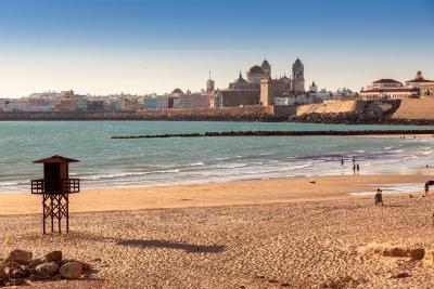 gran imagen de Occidental Cádiz by Barceló Hotel Group