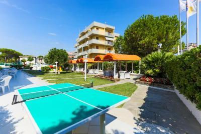 Family hotel marina beach lido adriano prezzi - Bagno marina beach lido adriano ...