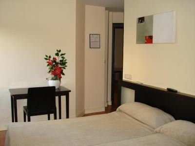 gran imagen de Hotel Los Jerónimos y Terraza Monasterio
