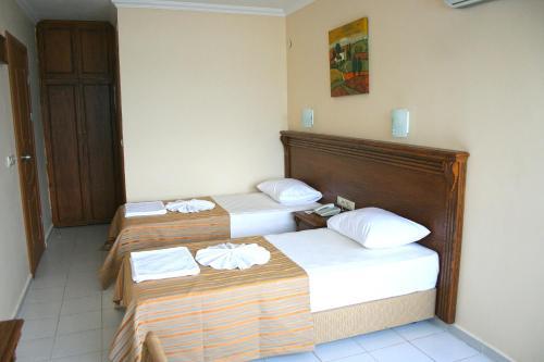 Hotel Honeymoon
