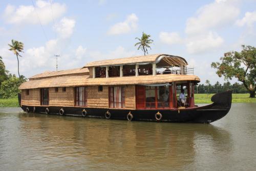 Angel Queen House Boats