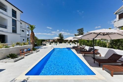 Mediterraneo Garden Apartments