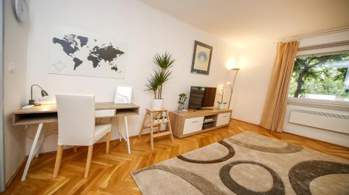 A television and/or entertainment center at Stefania 35 Apartment