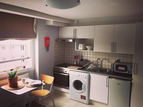 A kitchen or kitchenette at Modern Studio-Central London